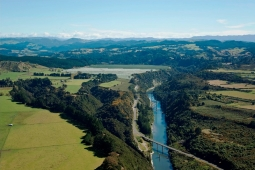 Mohaka viaduct and mixed land uses of the lower catchment Courtesy of www.abovehawkesbay.co.nz