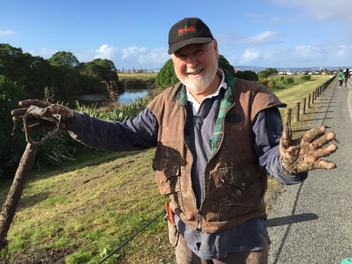 Rex Graham at Waitangi Community Planting 260518